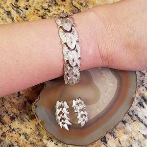 Vintage Coro silver bracelet clip on earrings GUC